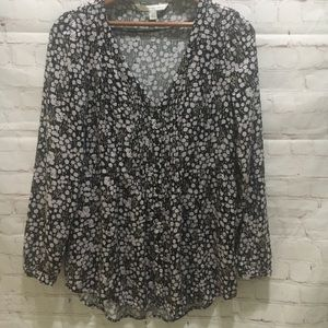 Lauren Conrad field of daisies pintucked top Small